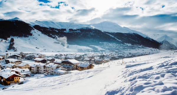 Five Reasons to Ski the Alps in January